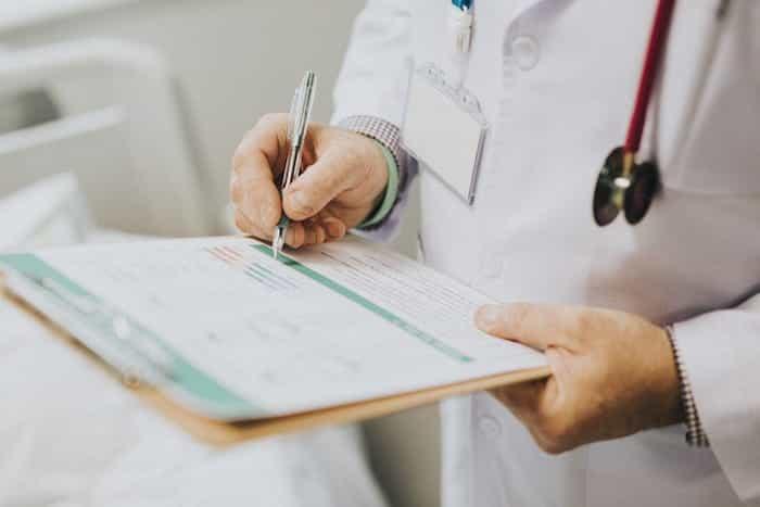 Partes del reconocimiento médico en una empresa