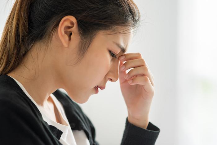 Trabajador con estrés considerado como enfermedad ocupacional