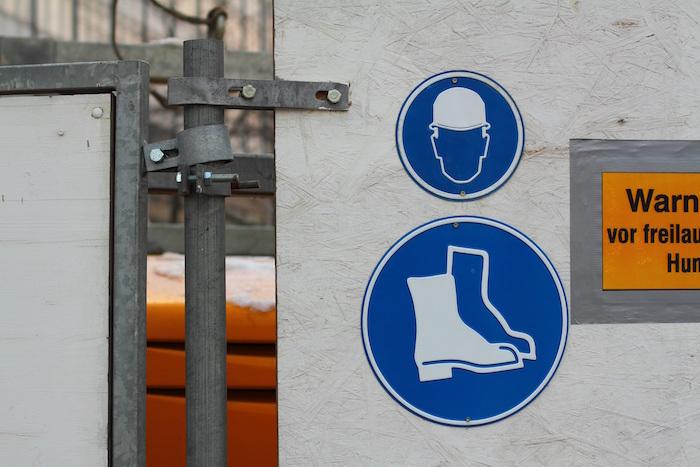 Señales de seguridad para evitar riesgos a los trabajadores de la construcción